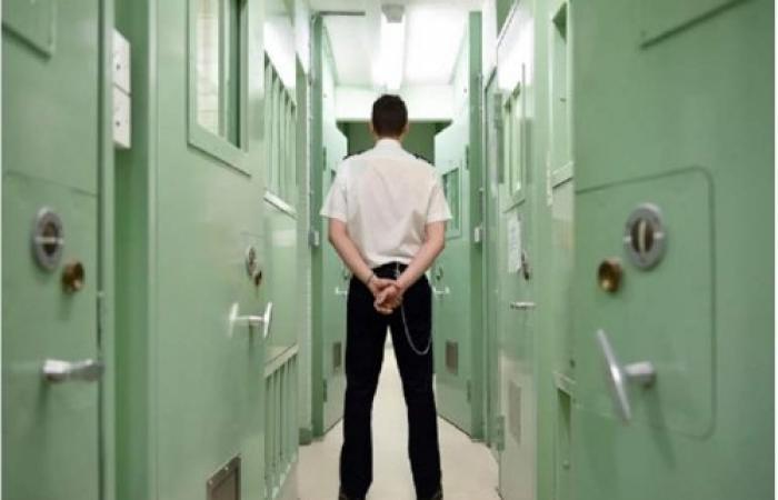 """سجون بريطانيا بلا حراس بسبب """"كوفيد القاتل"""""""