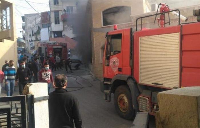 إخماد حريق في أدونيس