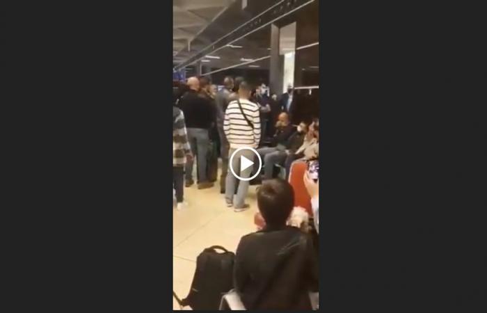 في الأردن.. لبنانيون عالقون في المطار (فيديو)
