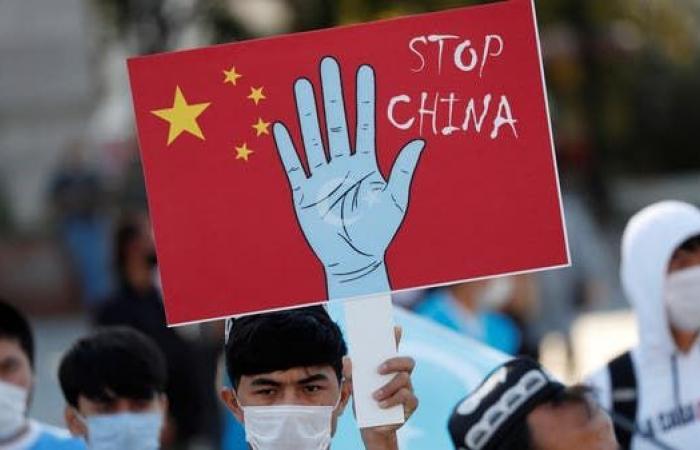 كابوس الإيغور في تركيا.. رقابنا مقابل لقاح الصين