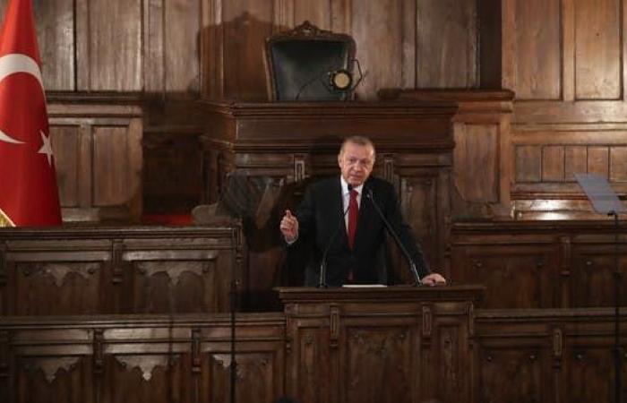 """""""مهمة أردوغان شاقة"""".. عقبات أمام تعديل دستور تركيا"""