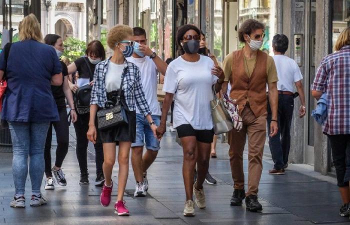 بلومبيرغ تتوقع نهاية كورونا في 2028