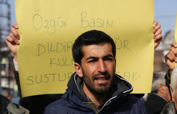 صحافيان تركيان من السجن: العدالة تحت سيطرة حزب أردوغان