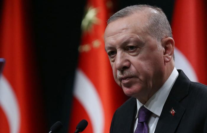 باباجان: حزب أردوغان يتحدث عن دستور للتهرب من الأزمات