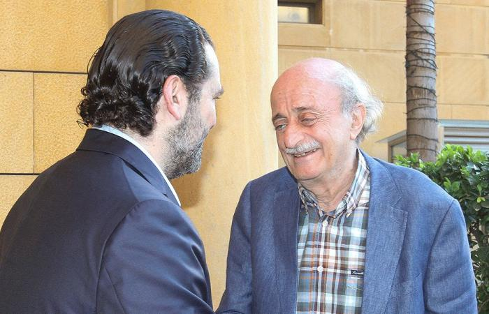 """""""مصارعة"""" سياسية قاسية في لبنان"""
