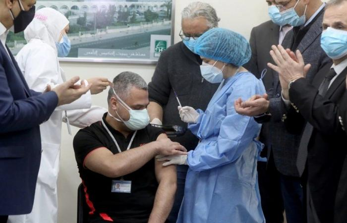 التلقيح في مستشفى الحريري سيقتصر على هؤلاء الأشخاص!