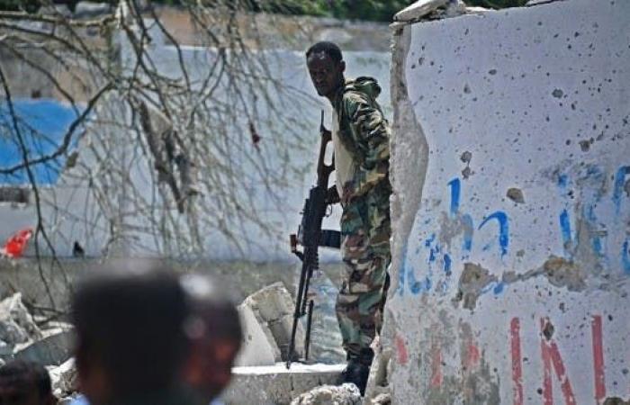 معركة بالأسلحة النارية وسط مقديشو.. والأمن يغلق الشوارع
