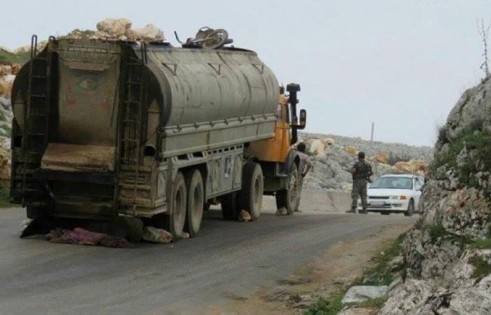 انقلاب شاحنة للنقل الخارجي عند مفترق حمص في عكار