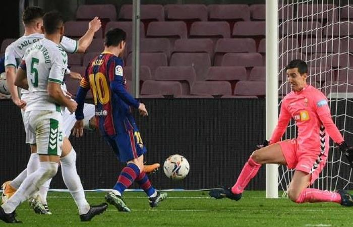 ثنائية ميسي تعيد برشلونة إلى الانتصارات