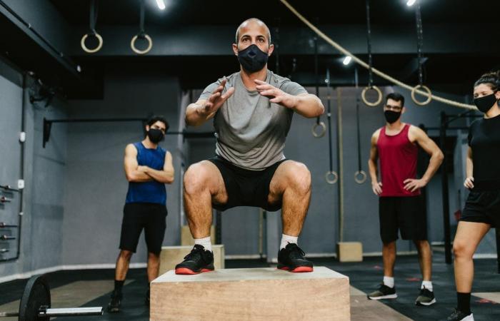 هل يمكن ارتداء الكمامة أثناء التمارين الرياضية؟ دراسة تجيب