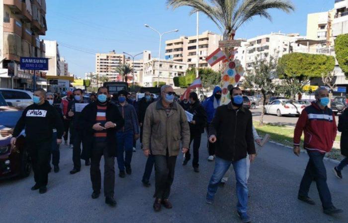اعتصام في الشرحبيل- صيدا احتجاجا على تردي الأوضاع