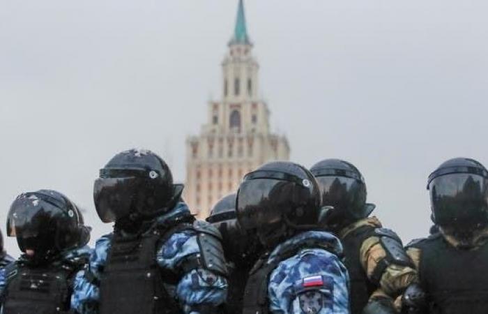 روسيا.. اعتقال 150 مشاركاً في منتدى للمعارضة