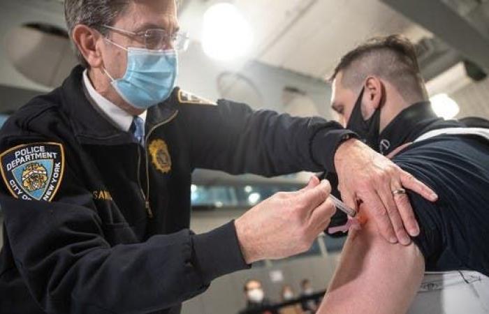 بهذا الموعد.. الأميركيون يتلقون أولى شيكات إعانة كوفيد -19