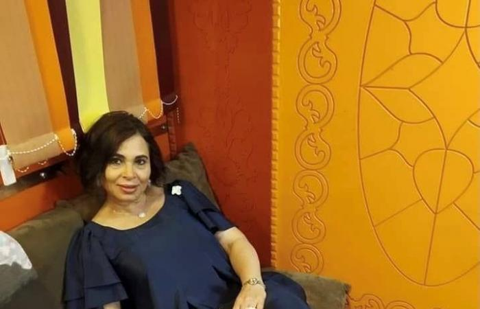 إصابات خطيرة لفنان مصري شاب بسبب محمد رمضان .. والدته تتوعد