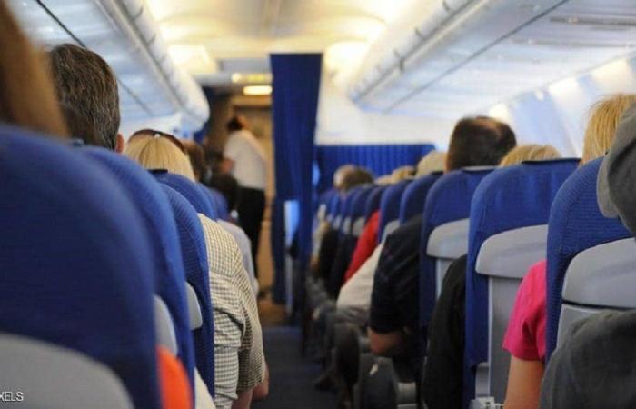 رفض ارتداء الكمامة في الطائرة.. فغرم 15 ألف دولار!