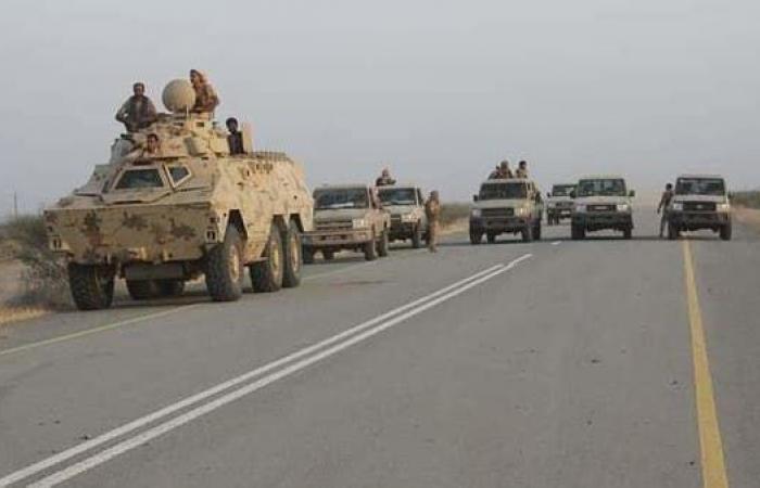 اليمن.. الحوثي يرد على تقدم الجيش بقصف أحياء سكنية بالحديدة