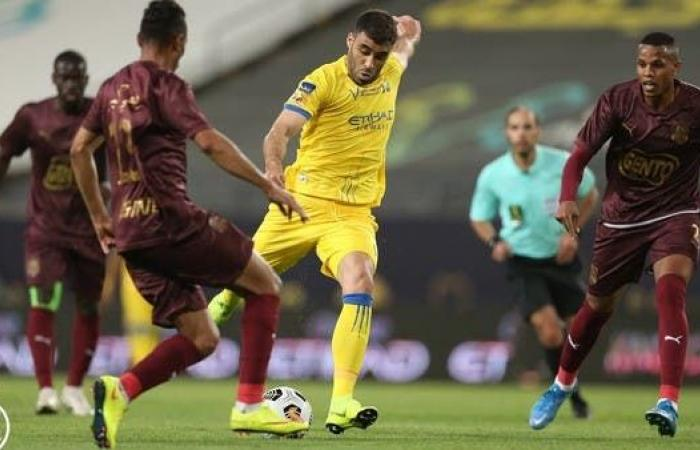 حمدالله يصل إلى هدفه رقم 100 مع النصر