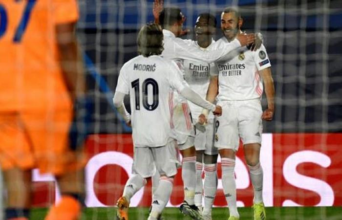 ريال مدريد يحبط أتالانتا بثلاثية ويتأهل إلى ربع النهائي