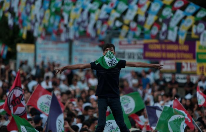 تركيا.. مدع عام يطالب بحظر حزب الشعوب الديمقراطي