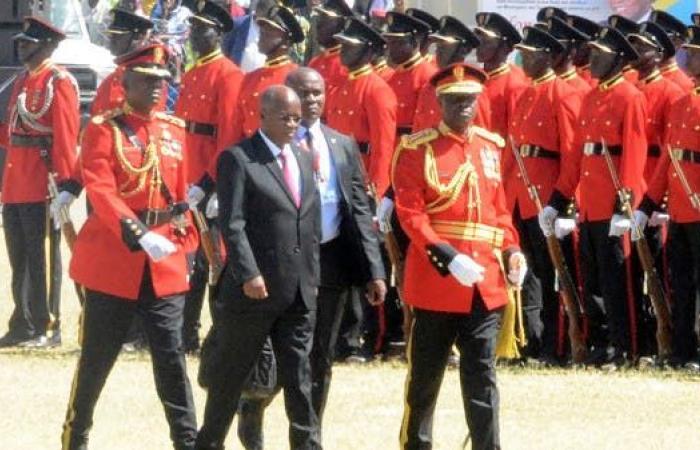 وفاة رئيس تنزانيا جون ماغوفولي عن 61 عاماً