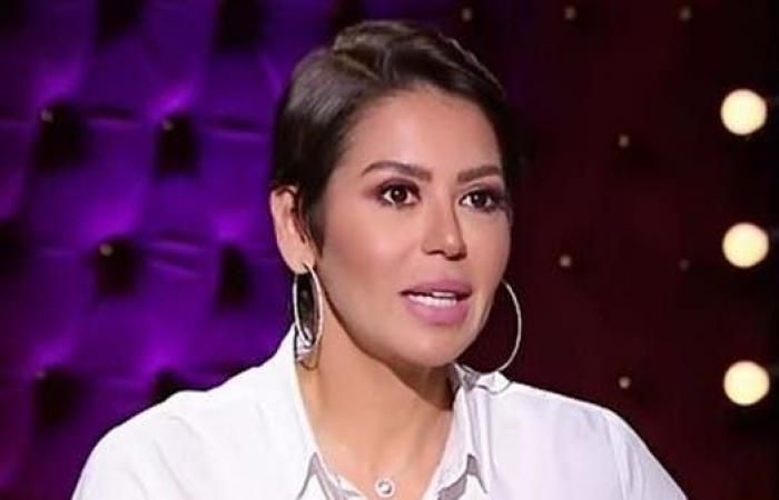 لقاء الخميسي للعربية.نت: لست مطربة.. لكن سأغني رغم المنتقدين