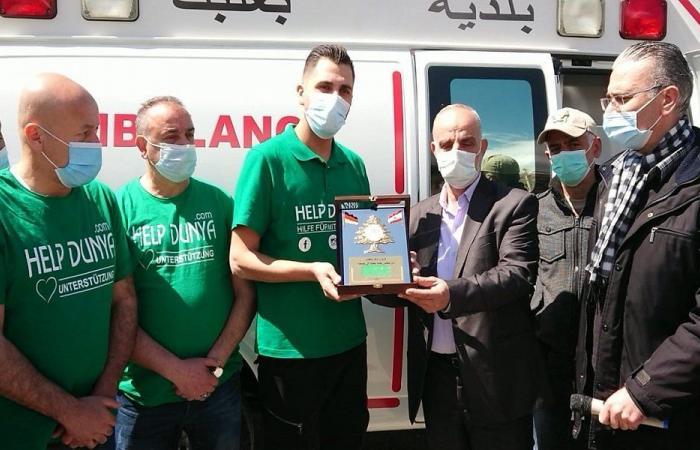 بلدية بعلبك تسلمت سيارة إسعاف من جمعية Help Dunya