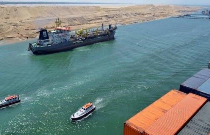قناة السويس: ندرس توسيع المجرى الملاحي لتفادي تكرار حادث السفينة