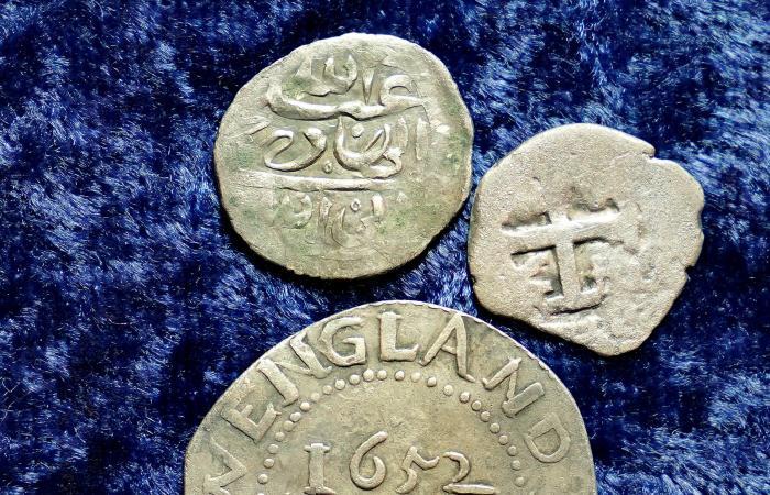 نقود يمنية قد تحل أقدم الألغاز.. مجزرة طالت سفينة حجاج