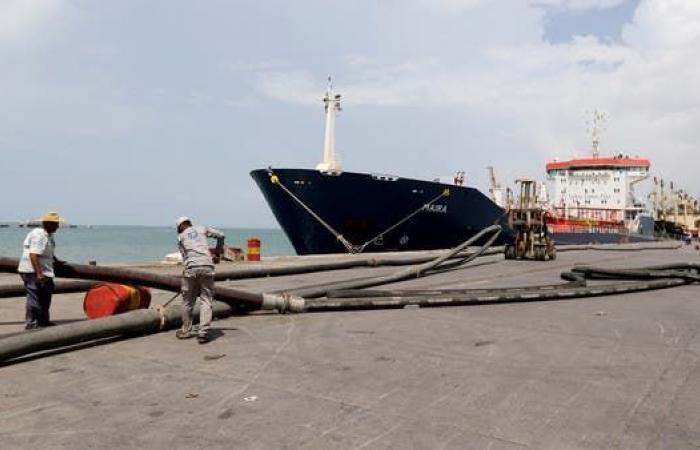 الإرياني ينشر أرقاماً تفضح افتعال الحوثي أزمة وقود
