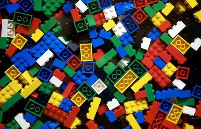 الشرطة الفرنسية تحذر من عصابة Lego الدولية
