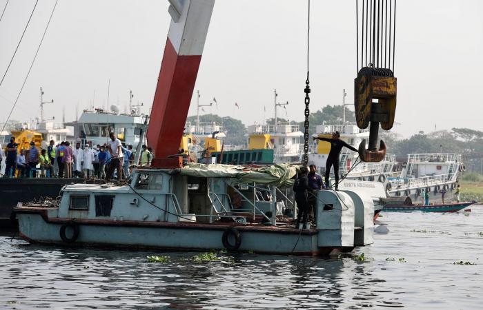 مقتل خمسة وفقدان كثيرين في غرق عبارة في بنغلادش