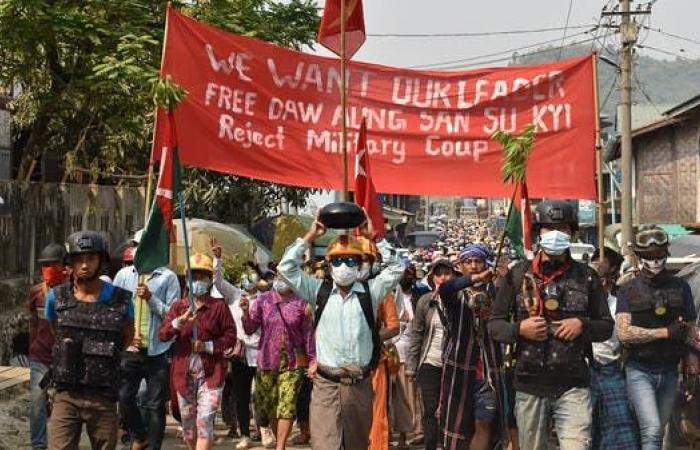 محتجو ميانمار يتحدون الجيش ويطالبون بالتدخل الدولي