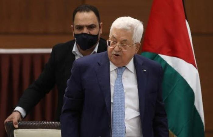 محمود عباس يتجه لألمانيا لإجراء فحوصات ولقاء ميركل