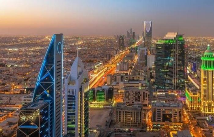السعودية.. القطاع الخاص غير النفطي يتابع نموه في مارس