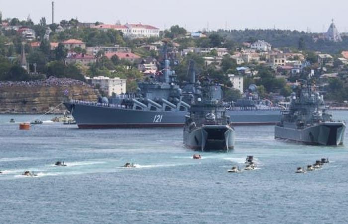وسط التوتر مع أوكرانيا.. روسيا ترسل سفناً حربية للبحر الأسود