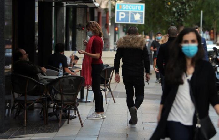 في لبنان.. انخفاض حاد بإصابات كورونا و21 وفاة جديدة