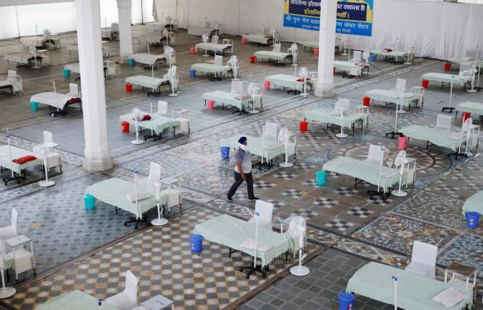 حوالي 4000 وفاة و412 ألف إصابة جديدة بكورونا في الهند