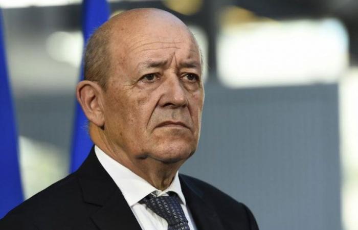 نائب فرنسي: لودريان أبلغ المسؤولين اللبنانيين رسالة تحذير