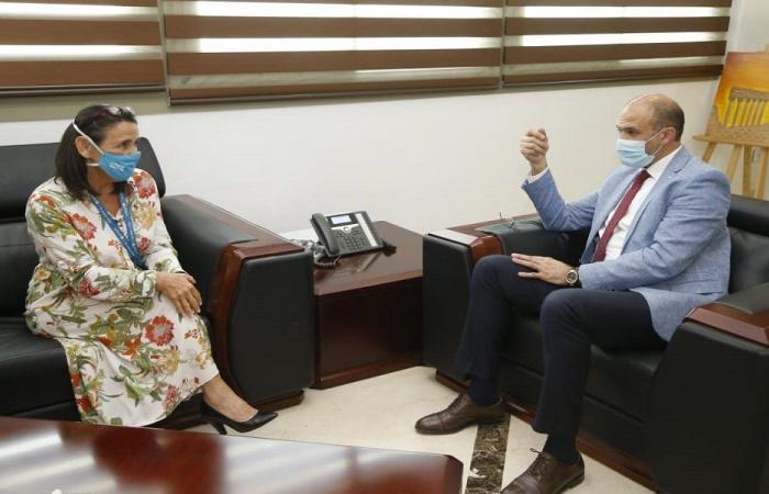 حسن عرض مع وفد اليونيسف مسار الخطة الميدانية للتلقيح