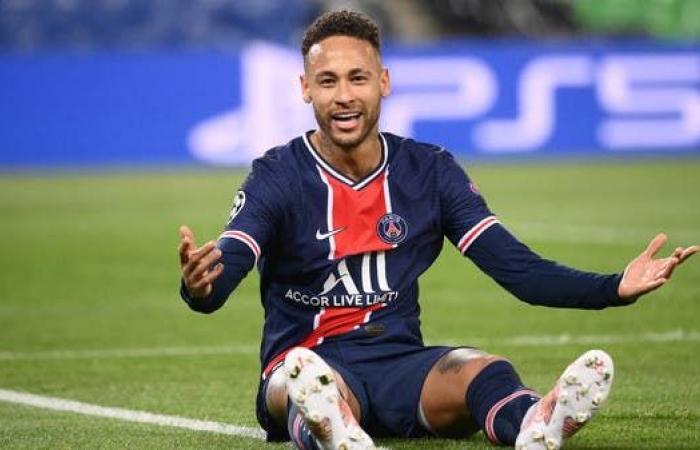 ليكيب: نيمار سيمدد عقده مع باريس سان جيرمان السبت