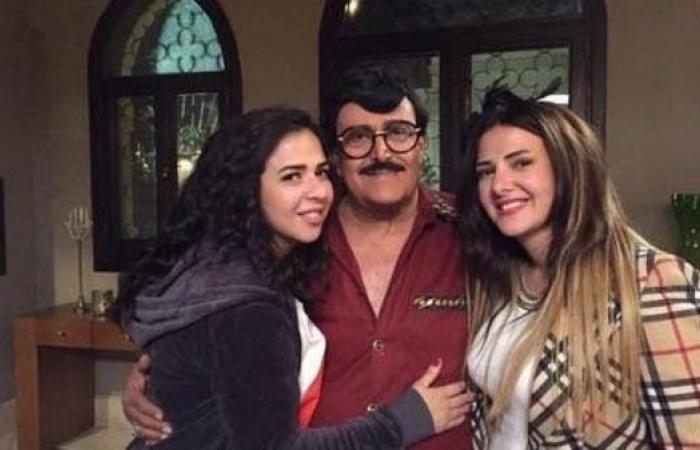 سمير غانم في حالة حرجة.. ودنيا وإيمي تطلبان الدعاء