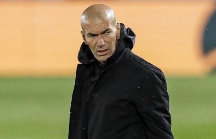 """زيدان """"غاضب"""".. وقلق في ريال مدريد"""