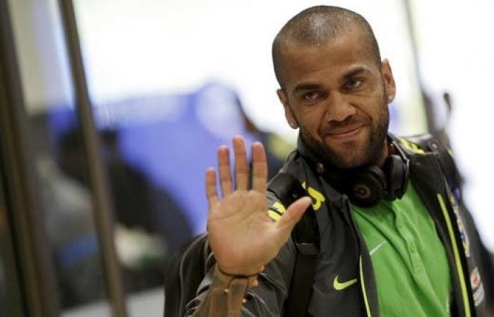 بعد عامين من الغياب.. ألفيس يعود إلى منتخب البرازيل