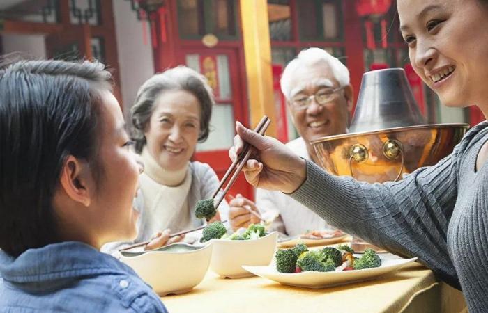 في الصين.. اعتماد قانون يمنع الإفراط في تناول الطعام!