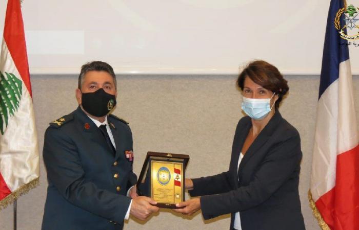 الجيش: غريو حاضرت عن الديبلوماسية الفرنسية في لبنان