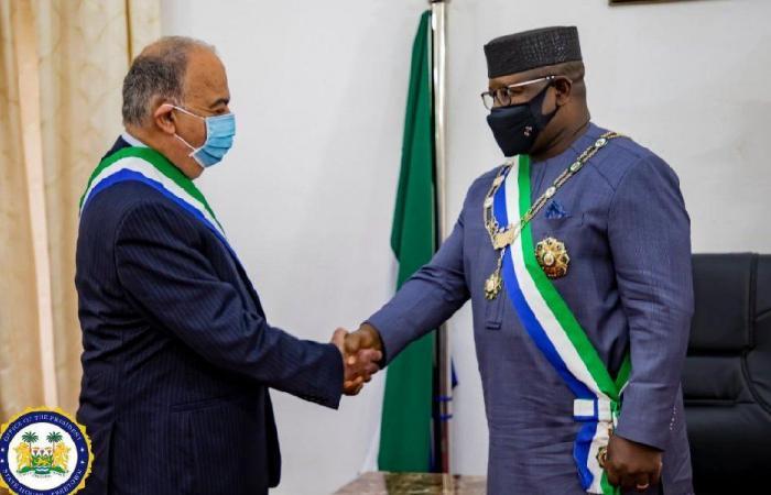 منح وزير لبناني سابق أرفع وسام في سيراليون