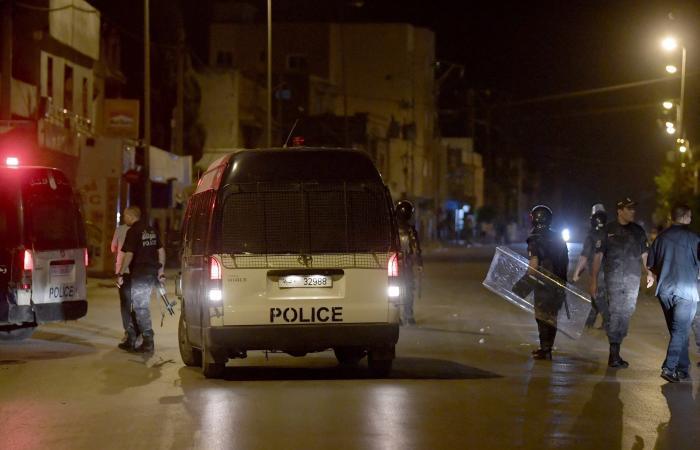 تونس.. منظمات حقوقية تقاضي المشيشي وتدعو للتظاهر