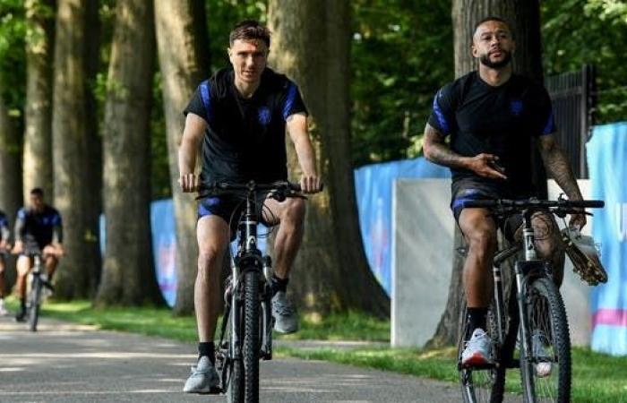"""ديباي: انتقالي إلى برشلونة بات """"وشيكاً"""""""