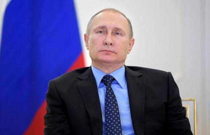 """مساعد لجون كيري يكشف.. """"هكذا يعامل بوتين ضيوفه"""""""
