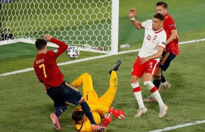 إسبانيا تواصل التعثرات بالتعادل مع بولندا